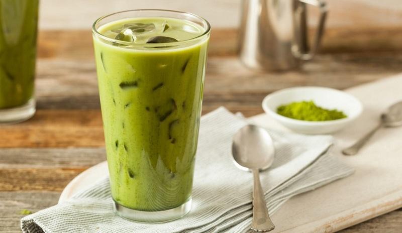 Matcha latte được làm từ bột trà xanh matcha Nhật Bản